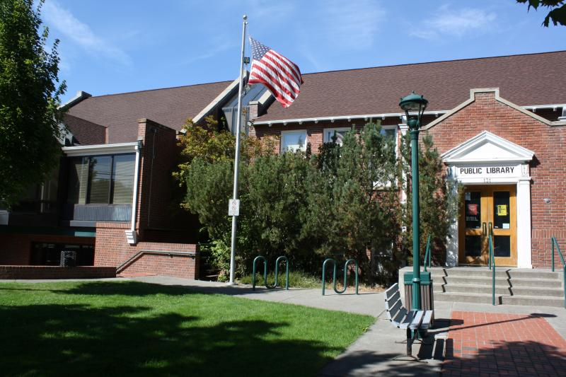 The Goldendale Library