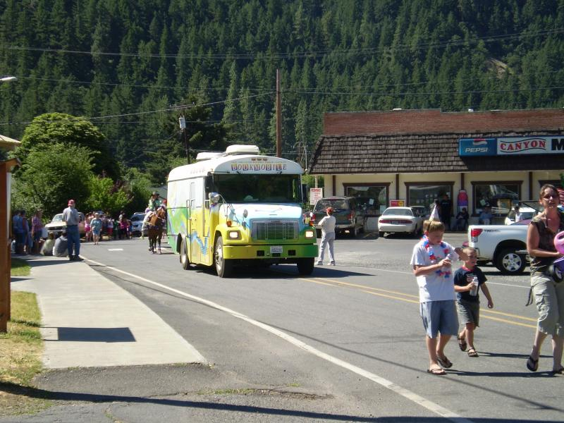 Book Mobile in the Klickitat Canyon Days Parade